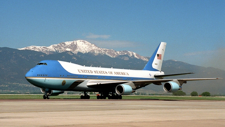 Air_Force_One_on_the_ground.jpg
